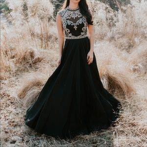 Sherri Hill 4332 Prom Formal Ball Gown Size 2